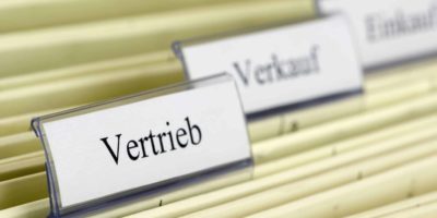 """5177082 - close-up hanging folder """"vertrieb"""" what means """"distribution"""" in german"""